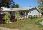 Foreclosed Home en SWEETBRIAR LN, Levittown, PA - 19055
