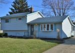 Foreclosed Home en DONALD DR, Brook Park, OH - 44142