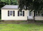 Foreclosed Home en BEVERLY DR, Ansonia, CT - 06401