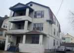 Foreclosed Home en CATHERINE ST, Hartford, CT - 06106