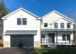 Foreclosed Home en MELODY LN, Fairfield, CT - 06824
