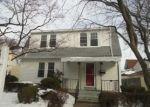 Foreclosed Home en ALPINE ST, Bridgeport, CT - 06610