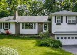 Foreclosed Home en WOODLAND RD, Middlebury, CT - 06762