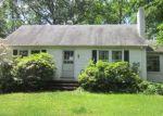 Foreclosed Home en FERNBROOK RD, Orange, CT - 06477