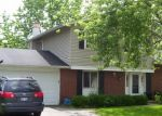 Foreclosed Home in HAMPSHIRE LN, Bolingbrook, IL - 60440