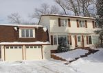 Foreclosed Home in S 8TH AVE W, Newton, IA - 50208