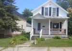 Foreclosed Home en S ELLIS AVE, Peshtigo, WI - 54157