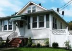 Foreclosed Home en MACE AVE, Essex, MD - 21221