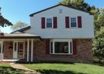 Foreclosed Home en EDUCATIONAL DR, Mckeesport, PA - 15131