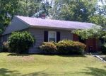 Foreclosed Home en OAKDALE AVE, Rosedale, MD - 21237