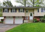 Foreclosed Home en KIRKLAND DR, Greenlawn, NY - 11740