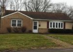 Foreclosed Home en LAKE RD, Feasterville Trevose, PA - 19053