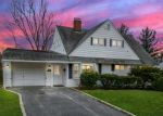 Foreclosed Home in WAYSIDE LN, Wantagh, NY - 11793