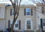 Foreclosed Home en WISPER WOODS WAY, Windsor Mill, MD - 21244