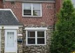 Foreclosed Home en CLOVER LN, Upper Darby, PA - 19082