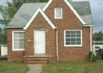 Foreclosed Home en LEE HEIGHTS BLVD, Cleveland, OH - 44128