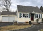 Foreclosed Home en CYPRESS LN, Shirley, NY - 11967