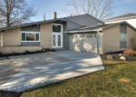 Foreclosed Home en DENNISPORT DR, Bedford, OH - 44146