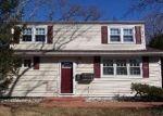 Foreclosed Home en 11TH AVE, Huntington Station, NY - 11746
