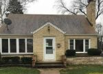 Foreclosed Home en WOODLAWN AVE, Waukegan, IL - 60085