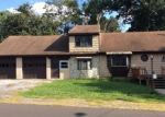 Foreclosed Home en WILLOW AVE, Bristol, PA - 19007