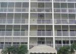 Foreclosed Home en BLUEBILL AVE, Naples, FL - 34108
