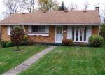 Foreclosed Home en MARIETTA DR, Mckeesport, PA - 15131