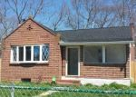 Foreclosed Home en SAINT GEORGE DR, Shirley, NY - 11967