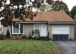 Foreclosed Home en FLANDERS AVE, Melville, NY - 11747
