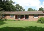 Foreclosed Home en CHERRY GROVE RD N, Smithfield, VA - 23430