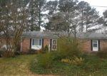 Foreclosed Home en DAPHNE DR, Yorktown, VA - 23692