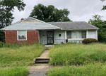Foreclosed Home en SUBET RD, Windsor Mill, MD - 21244