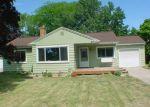 Foreclosed Home en CALVIN AVE, Holland, MI - 49423