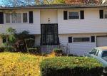Foreclosed Home en WALWIN PL, Huntington, NY - 11743