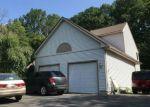 Foreclosed Home en CAMBRIDGE DR, Prospect, CT - 06712