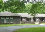 Foreclosed Home en GREENBRIER DR, Jefferson City, MO - 65109