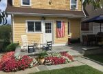 Foreclosed Home en E ELM ST, Greenwich, CT - 06830