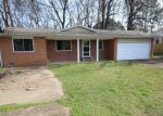 Foreclosed Home en JONES ST, Malvern, AR - 72104