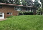 Foreclosed Home en W 3RD ST, Cassville, MO - 65625