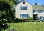 Foreclosed Home en BOSTON POST RD, Madison, CT - 06443