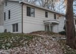 Foreclosed Home en SELLECK PL, New Canaan, CT - 06840