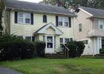 Foreclosed Home en GLENWOOD RD, Cleveland, OH - 44121