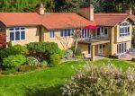 Foreclosed Home en KINGSBURY RD SW, Vashon, WA - 98070