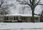 Foreclosed Home en CHERRYWOOD DR, Troy, MI - 48098