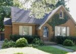 Foreclosed Home en HENRY ST, Elgin, IL - 60120