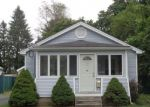 Foreclosed Home en DIAMOND AVE, Plainville, CT - 06062