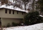 Foreclosed Home en BIGWOOD LN, Burlington, CT - 06013
