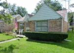 Foreclosed Home en ROCHELLE RD, Toledo, OH - 43615