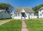 Foreclosed Home in W 8TH ST, Waterloo, IA - 50702