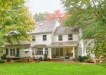 Foreclosed Home en SILVERMINE RD, New Canaan, CT - 06840